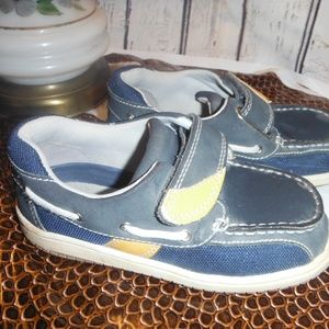 Jumping Jacks Velcro Pre-K play shoes